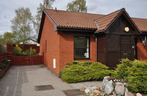 Last Minute Cottages - Adorable Aviemore Bungalow S7414