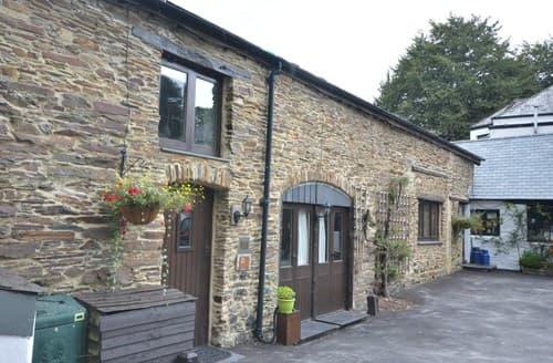 Last Minute Cottages - Attractive Yelverton Barn S85400
