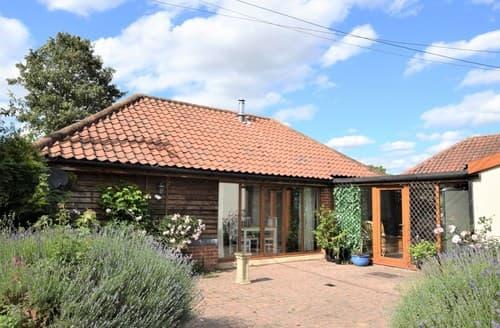 Last Minute Cottages - Adorable Norwich House S121232