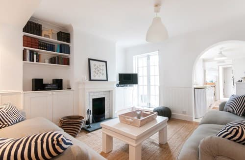 Last Minute Cottages - Excellent Whitstable House S93236