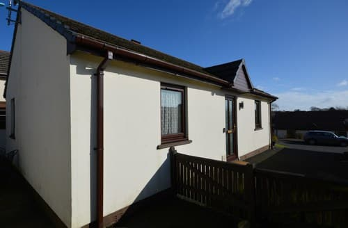 Last Minute Cottages - Superb Kilgetty Bungalow S94120