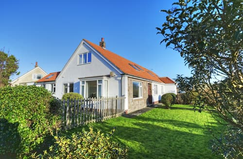 Last Minute Cottages - Lovely Beadnell House S97992