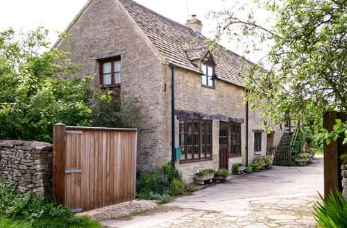 Last Minute Cottages - Delightful Cirencester Cottage S77352