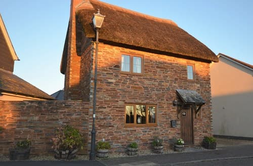 Last Minute Cottages - Splendid Crediton Cottage S8757