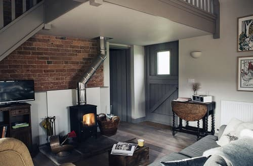 Last Minute Cottages - Luxury Ludlow Cottage S76970