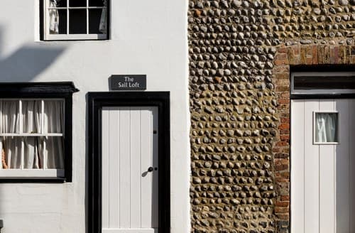 Last Minute Cottages - Lovely Eastbourne Cottage S89414