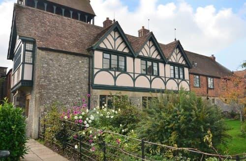 Last Minute Cottages - Cosy Lyme Regis House S7673