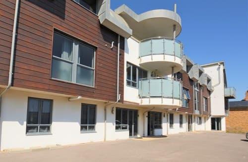 Last Minute Cottages - Luxury Bridport Apartment S8220
