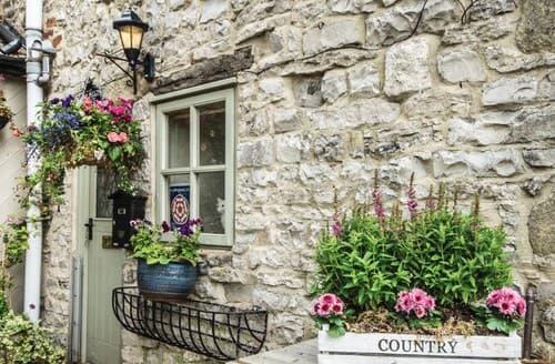Last Minute Cottages - FCH44725