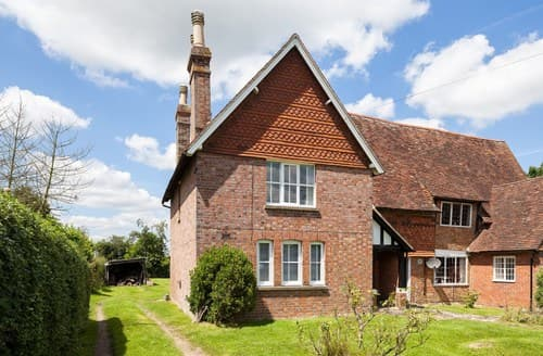 Last Minute Cottages - Attractive Biddenden Cottage S72536