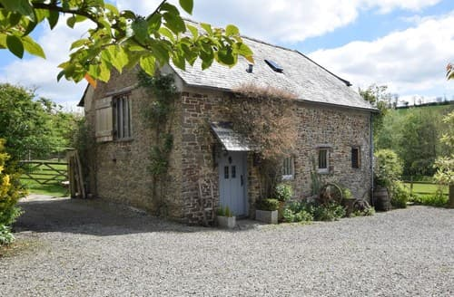 Last Minute Cottages - Delightful Bideford Barn S37884