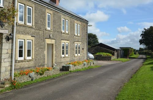 Last Minute Cottages - Attractive Bath House S8834