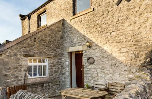 Last Minute Cottages - Lovely Taddington Cottage S59078
