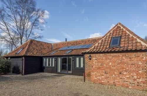 Last Minute Cottages - Quaint Briston Barn S114641