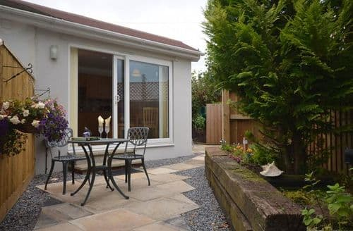Last Minute Cottages - Lovely Newton Abbot Wing S9421