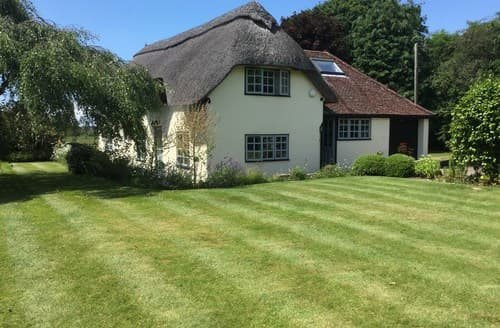 Last Minute Cottages - Inviting Brockenhurst Cottage S70692