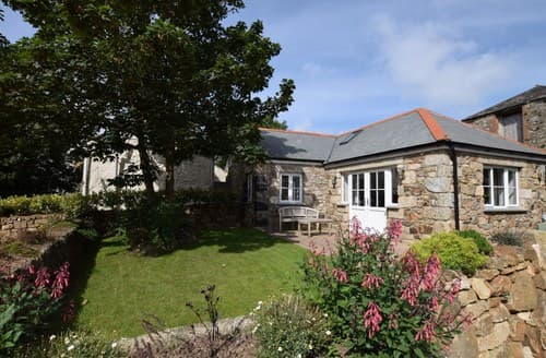Last Minute Cottages - Charming Hayle Barn S26738