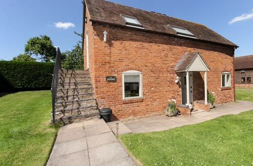 Last Minute Cottages - Cosy Droitwich Barn S77370