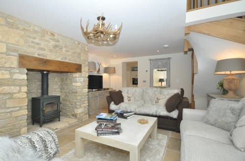Last Minute Cottages - Captivating Cheltenham Barn S27096