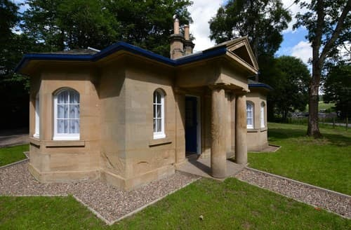 Last Minute Cottages - Delightful Cupar Lodge S70690