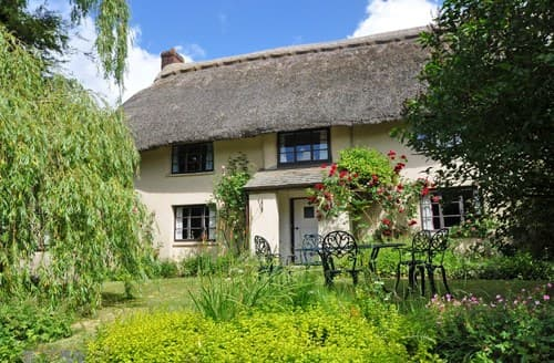 Last Minute Cottages - Luxury Beaworthy Cottage S7937