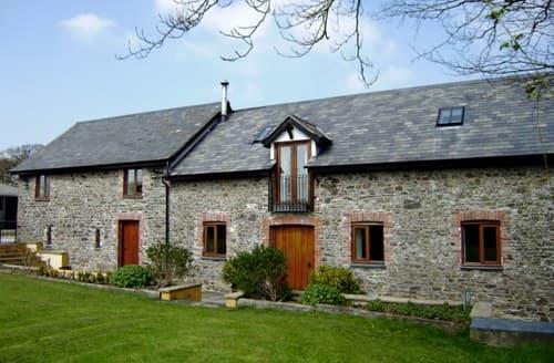 Last Minute Cottages - Superb Torrington Barn S73895