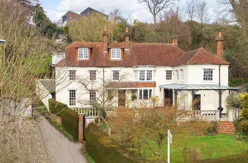 Big Cottages - Beautiful Rye House S72444