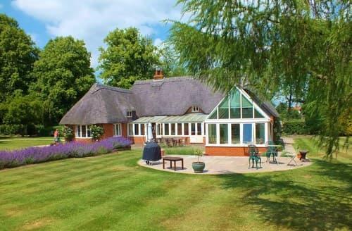 Big Cottages - Tasteful Winchester Cottage S98300