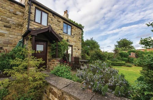 Last Minute Cottages - Inviting Holmesfield Cottage S59098