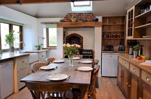 Last Minute Cottages - Inviting Ashford Cottage S92749