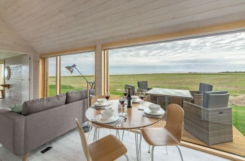 Last Minute Cottages - The Watch Room, Reydon, near Southwold