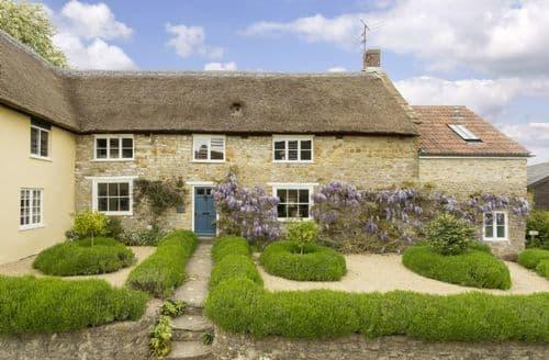 Last Minute Cottages - Charming Netherbury Cottage S80912