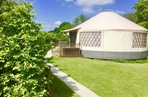 Last Minute Cottages - Oak Yurt, East Hoathly