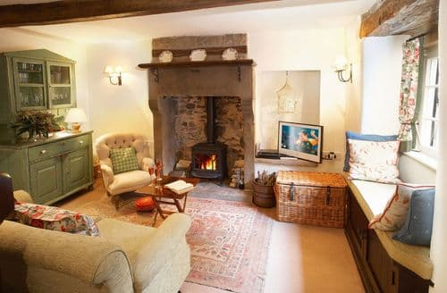 Last Minute Cottages - Tasteful Eyam Cottage S41694