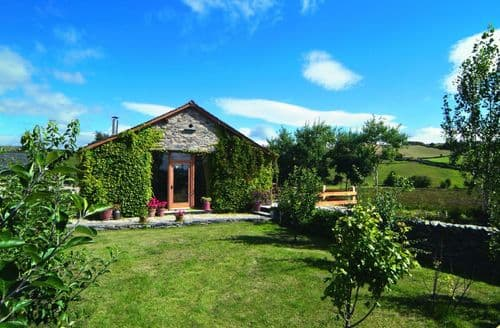 Last Minute Cottages - Fellside Barn, Broughton Beck