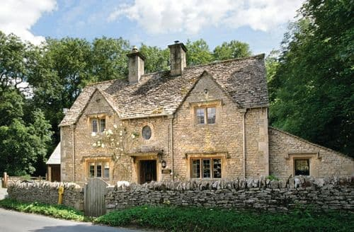 Last Minute Cottages - Bridge Cottage, Upper Swell, near Stow on the Wold