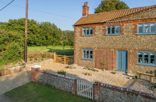 Last Minute Cottages - Splendid Saxlingham Cottage S98112