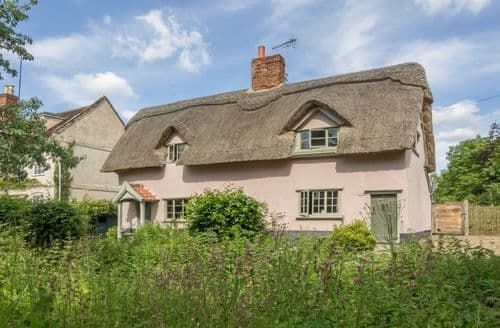 Last Minute Cottages - Gardener's Cottage, Thornham Magna