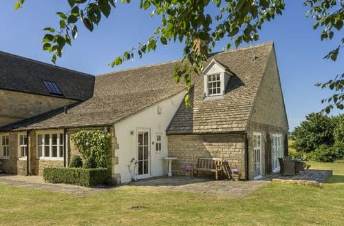 Last Minute Cottages - Luxury Blockley Cottage S113606
