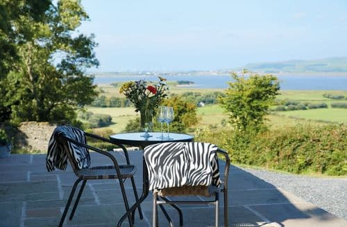 Last Minute Cottages - Quaint Kirkby In Furness Lodge S60942