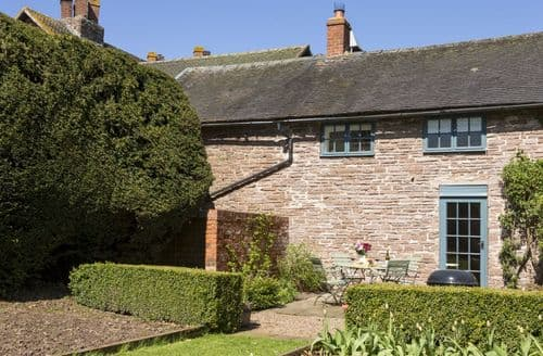 Last Minute Cottages - Captivating Docklow Cottage S98113