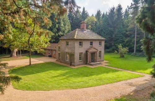 Last Minute Cottages - Bear's Cottage, Wood Norton