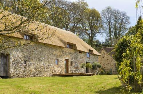 Last Minute Cottages - Exquisite Tolcis Cottage S44643