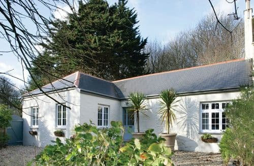 Last Minute Cottages - Attractive Helston Cottage S44716