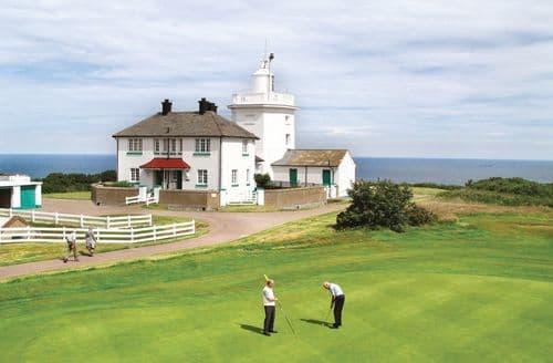 Last Minute Cottages - The Link, Cromer Lighthouse, Cromer