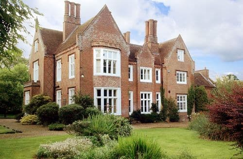 Last Minute Cottages - The Old Rectory, North Tuddenham