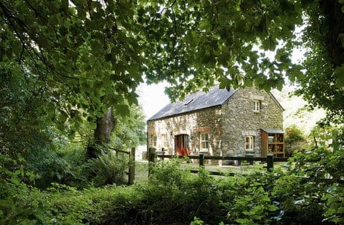 Last Minute Cottages - Exquisite Dinas Cottage S41586