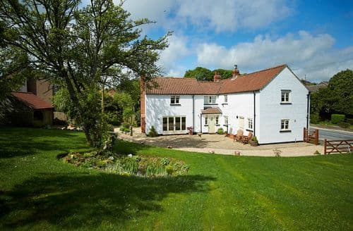 Big Cottages - Captivating Little Weighton Cottage S50102