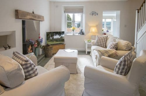 Last Minute Cottages - Rosemary Cottage (Somerset), nr Radstock, Bath