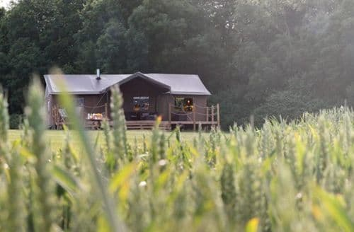 Big Cottages - Superb Suffolk Coastal Glamping S43681